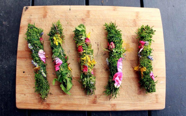 Como fazer incenso natural com ervas aromáticas